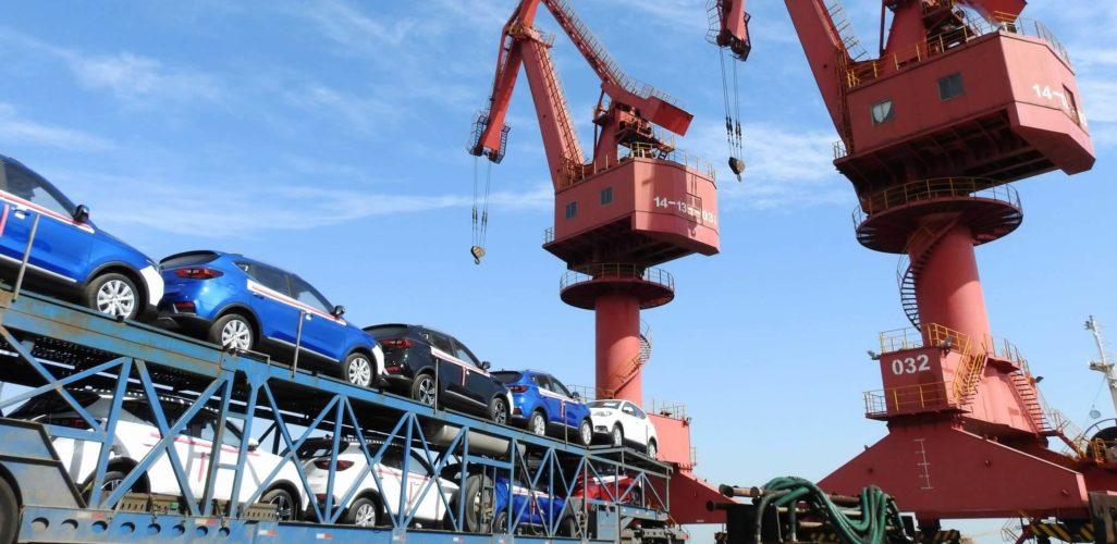 Chinas Exports Fall by 20.7 Drops