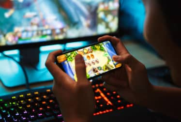 BBB Online Gaming Has Increased Risk of Scammers by Targeting Children